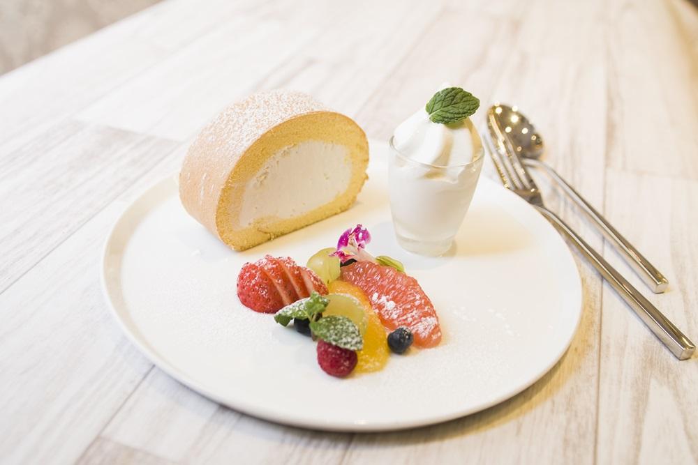 堂島ロール+ソフトクリーム・フルーツ+ドリンクセット